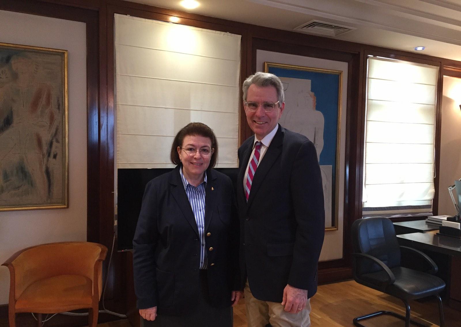 Συνάντηση της Υπουργού Πολιτισμού και Αθλητισμού με τον πρέσβη των ΗΠΑ